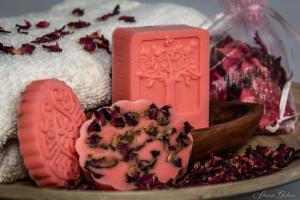 Pachnące z natury - ziołowe mydełka 1